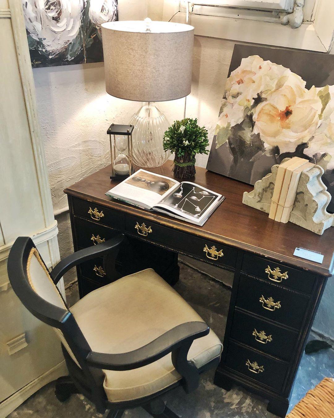 Used Desk in Tampa