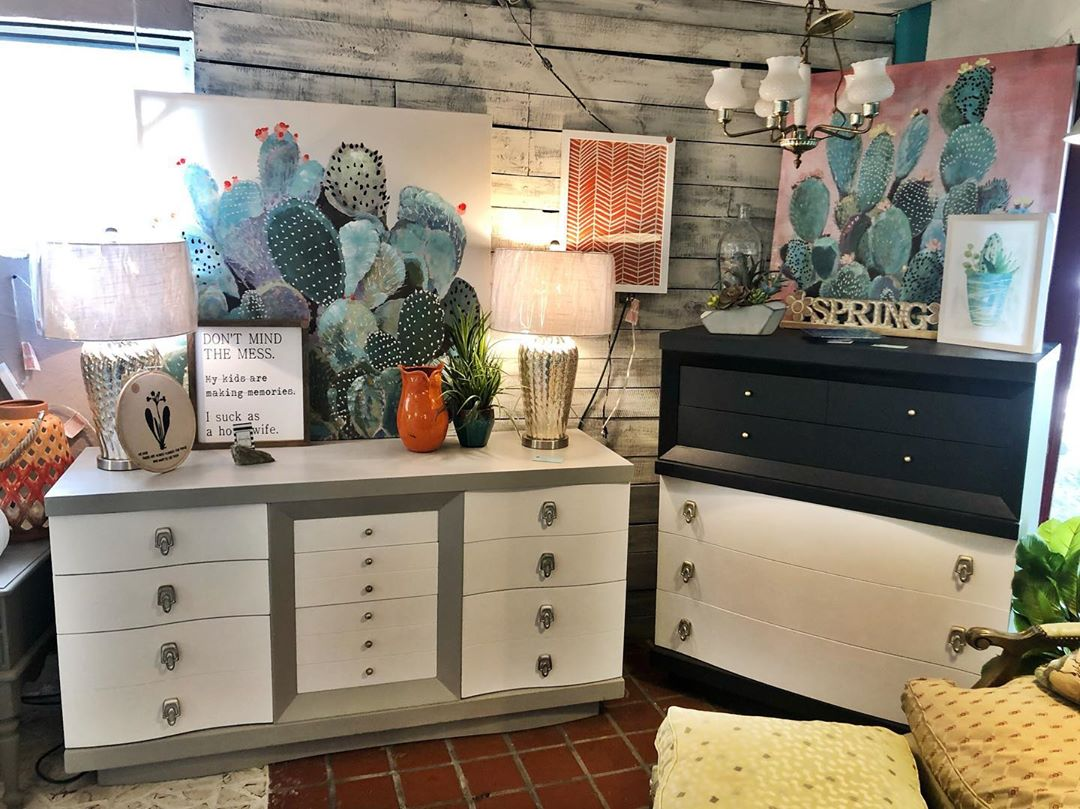 sibling dressers for Sale in Tampa